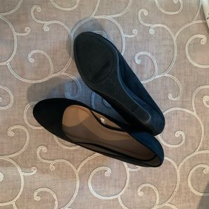 9.5 faux black suede wedge shoes